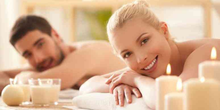 couple-in-the-spa